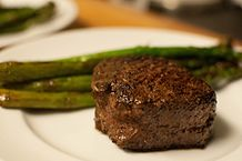 218px-Filet_Mignon_with_Asparagus_Spears